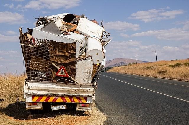 産業廃棄物処理業(収集運搬業等)許可|行政書士事務所REAL